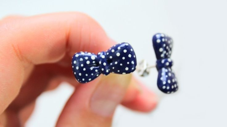 Learn how to make polymer clay crafts from the best! Helga of PuddingFishCakes shows you in her easy tutorial video how you can make your own adorable bow tie earrings and necklace in under 60 minutes! https://takeandmake.co/crafts/bow-tie-jewelry-set