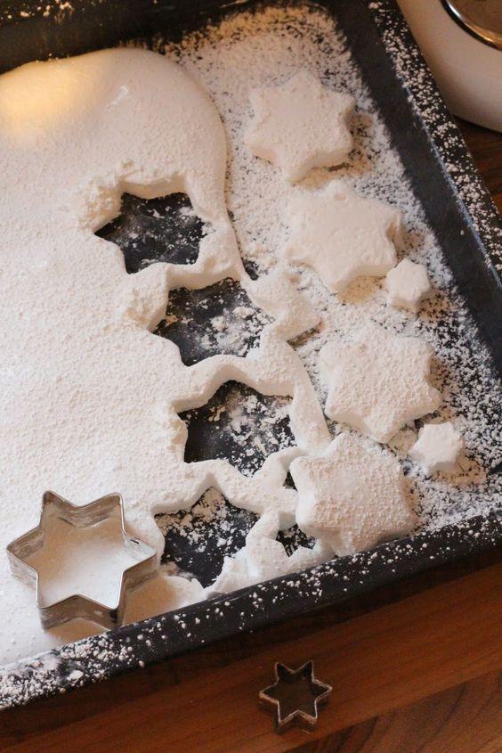 die besten 25 weihnachtsfeier themen ideen auf pinterest themen f r silvesterparty themen. Black Bedroom Furniture Sets. Home Design Ideas