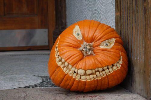 Wonderfully creepy. #pumpkincarving #Halloween