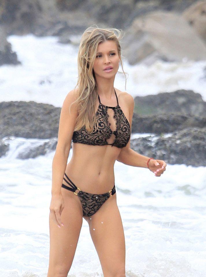 Seksowna Joanna Krupa podczas sesji zdjęciowej na plaży w Malibu