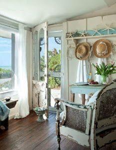 Colores suaves, muebles vintage, pequeños detalles para decorar todo... ¡No encanta el estilo shabby chic!