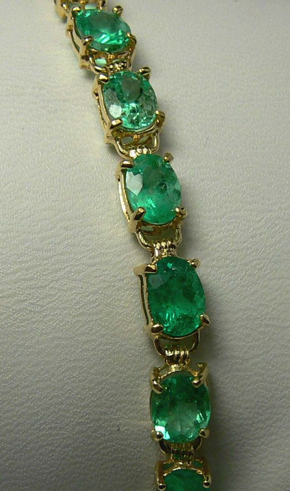 15.0cts Electrifying Oval Colombian Emerald Tennis Bracelet, love the color of…