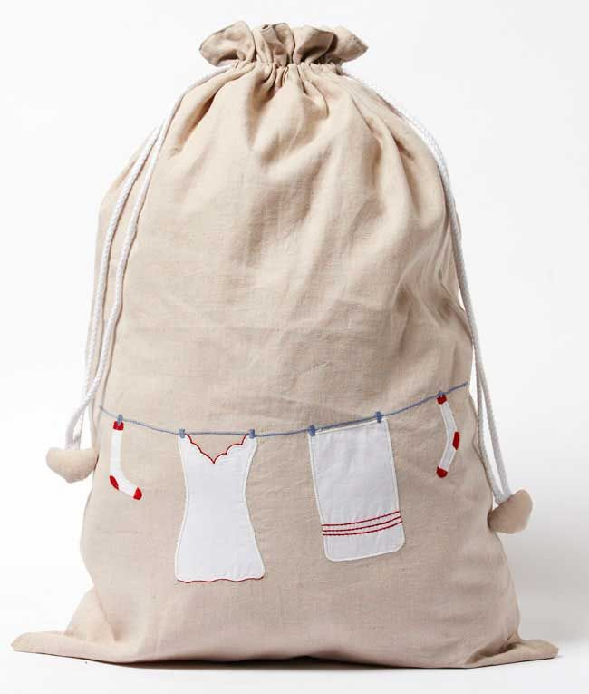 You'll be proud to store your laundry in this cute and tasteful bag. With a draw-string and water-proof lining, you won't remember what you did without it! Makes coming home from your holiday that little bit easier.