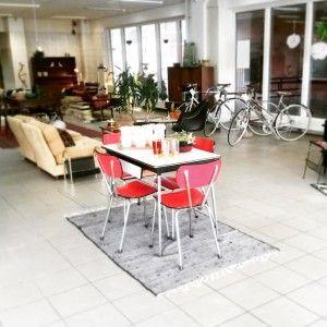 Bij Goed Spul (Plantage 10-12, Utrecht) koop je mooie vintage en tweedehands meubels, kleding en accessoires. Allemaal in jaren 50 stijl én best betaalbaar.
