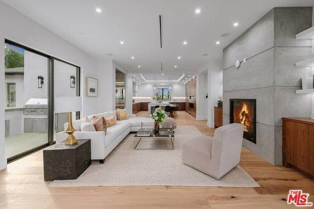 11747 Laurelwood Dr Studio City Ca 91604 Studio City Home Apartments For Sale