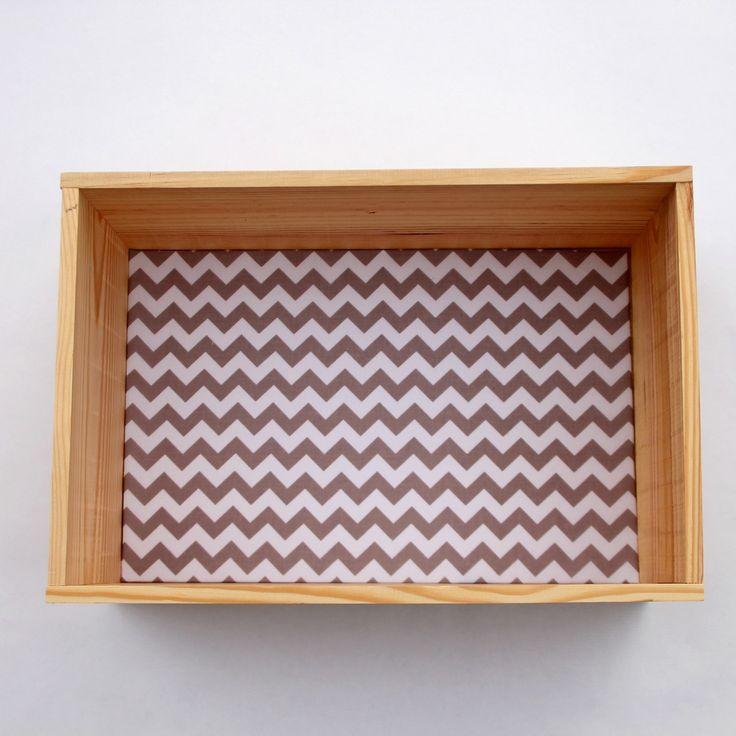 Etag re caisse d corative en bois et tissu chevrons for Etagere en tissu a suspendre