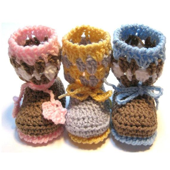 Crochet baby booties.  Baby girl.  Baby boy. by ThoughtfulStitches