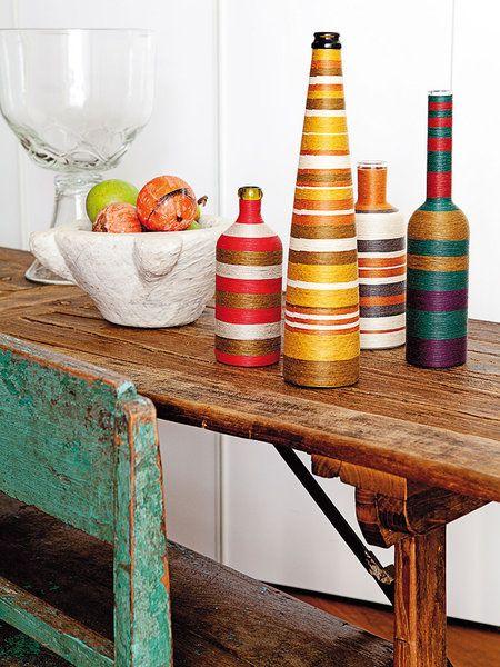 Botellas decorativas forradas, de Carmen Pinart