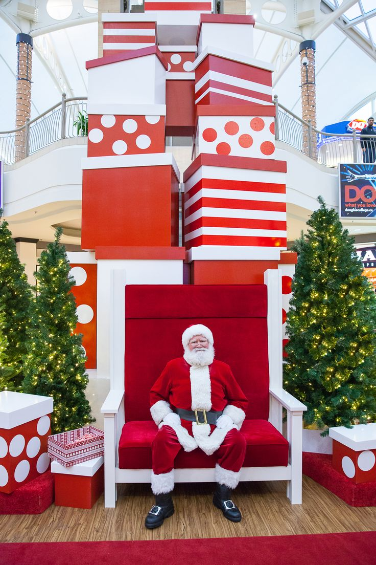 Red and White Contemporary Santa Set Design  - Brentwood Town Centre