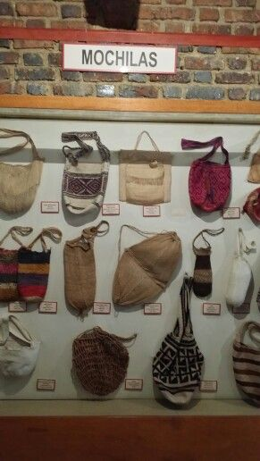 Mochilas típicas de las regiones de Colombia. Museo Trajes Regionales.