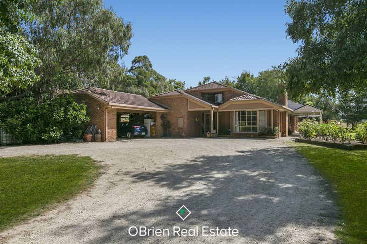 House for sale 3 Charlou Court, Drouin, 3818