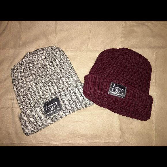Black and white spectacled beanie Love your melon beanie. Only the one on the left. Black and white speckled. *never worn*. If interested in the burgundy let me know but I will sell it for more. Accessories Hats