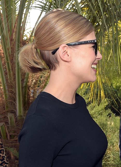 Rosamund Pike's Ingenious Ideas For Growing Out An Undercut