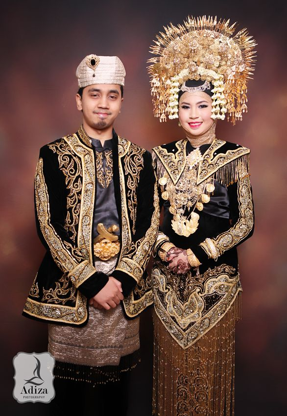 West Of Sumatera I Padang Wedding Outfit
