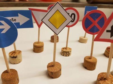 Verkehrszeichen lernen: Bastelergebnisse www.limmaland.com   – Klassenzimmer