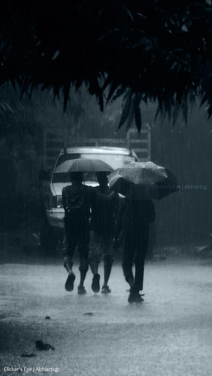 #Rain #umbrella #friends