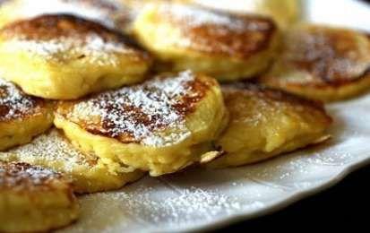 Pancakes alle mele - Ecco per voi le istruzioni per realizzare dei golosissimi pancake alle mele, una rivisitazione della classica ricetta americana a cui aggiungeremo delle mele golden.