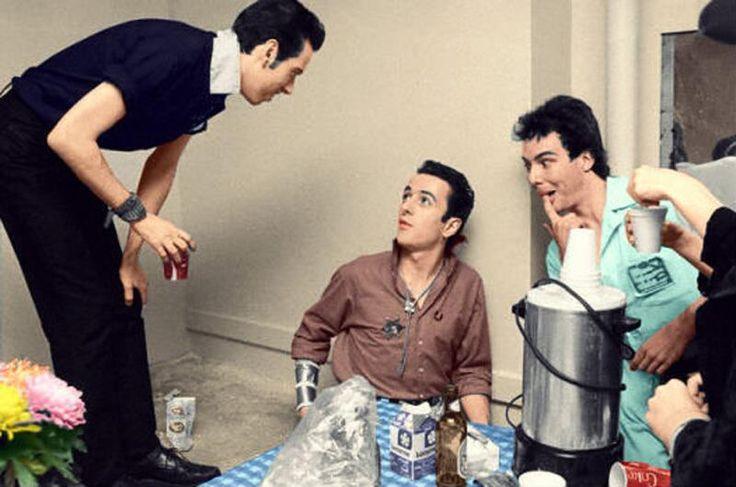 Mick Jones, Joe Strummer and Jello Biafra. This. Is. Great.