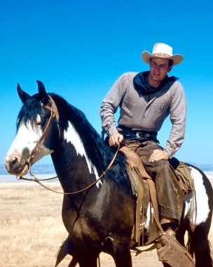 Charlton Heston as Steve Leech from The Big Country