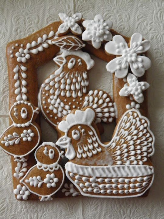 "PERNÍKY VELIKONOCE, as best I can tell it translates to ""Easter Ginger bread"" in Czech. Click through to see MANY more gorgeous cookies!"