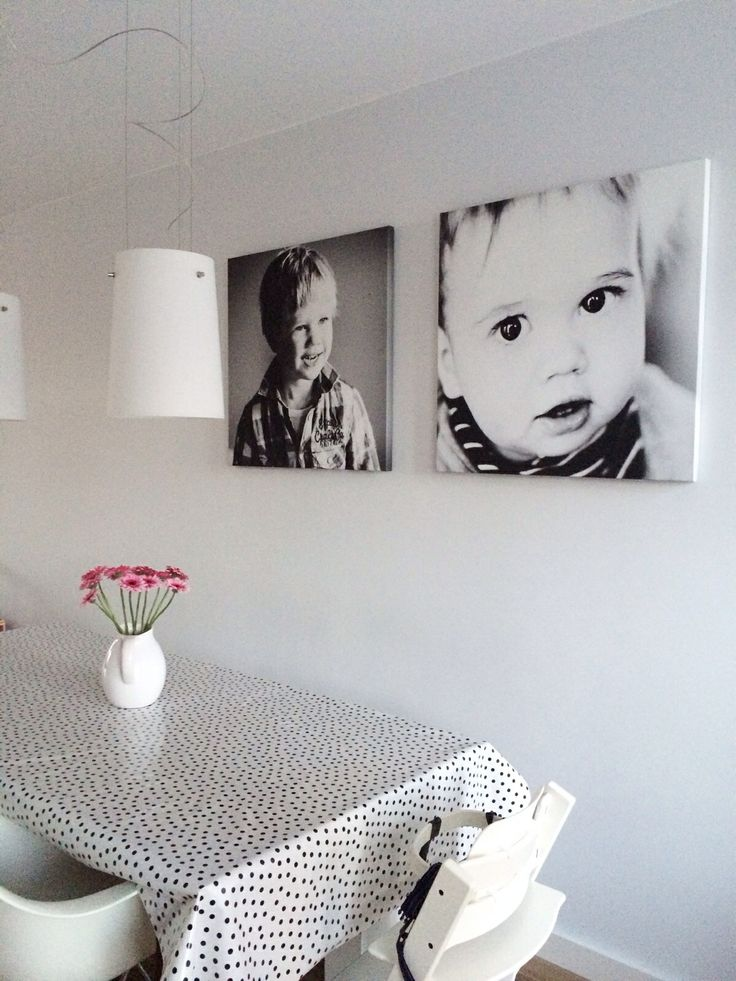 Grote zwart/wit canvas aan de muur