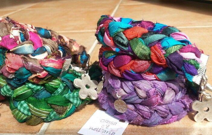Bracciali di seta di Sari indiani intrecciata
