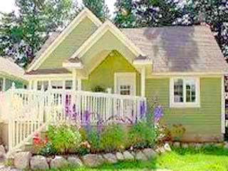 By the Sea, by the sea, by the beautiful sea....Waterfront cottage in Hubbards, Nova Scotia