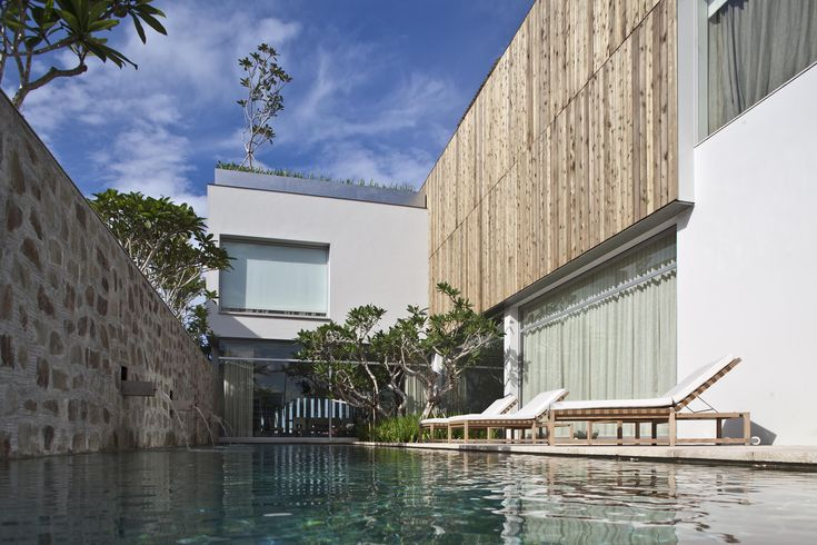 Cove Grove House on Sentosa Island in Singapore by BEDMaR & SHi Design Consultants