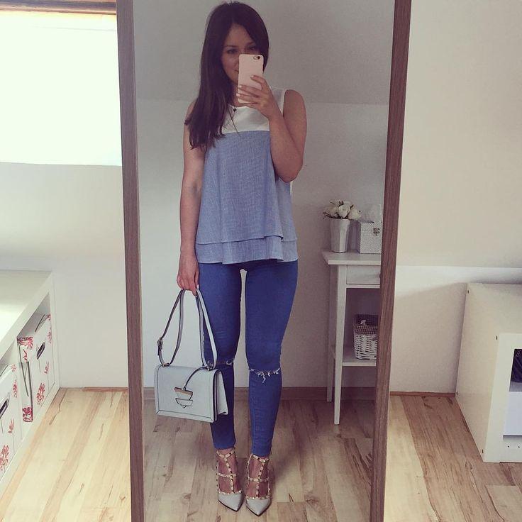 """871 Likes, 66 Comments - ExtraSmall.pl (@extrasmall.pl) on Instagram: """"Problemy niskich dziewczyn: dziury na kolanach są zawsze pod kolanami  ———————————————————…"""""""