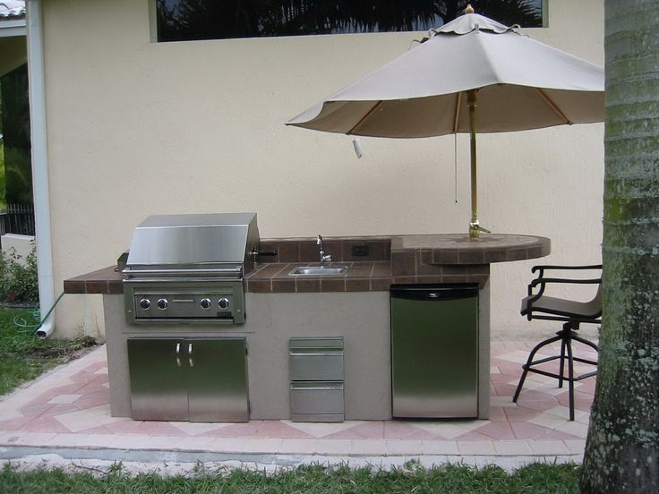 24 best images about small outdoor kitchens on pinterest for Small outdoor kitchen plans