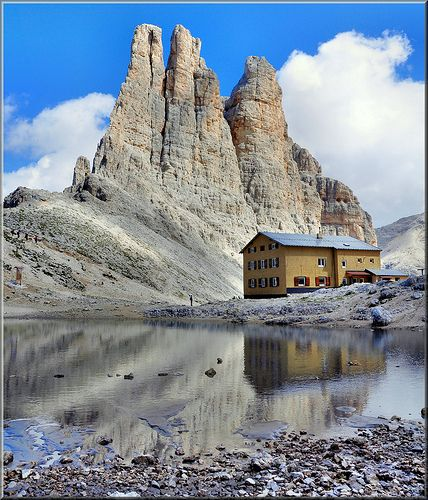 Torri del Vajolet e rifugio Re Alberto m. 2.620 - Dolomiti Catinaccio