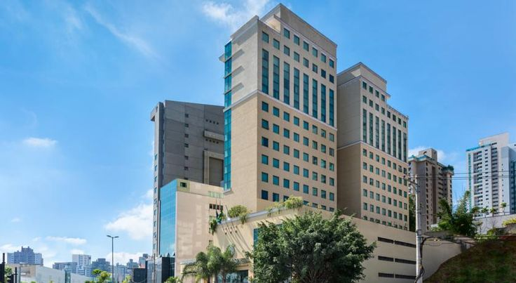 Caesar Business Belo Horizonte Belvedere Managed by Mercure Belo Horizonte Located in the sophisticated Belvedere district, the 4-star Caesar Business Belo Horizonte Belvedere Managed by Mercure offers spacious accommodations with mountain or city views right opposite the BH Shopping Mall.