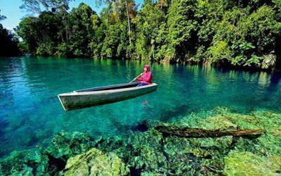 PERGIPEDIA  - Danau Labuan Cermin Kalimantan Timur, Danau Dengan Dua Rasa Berbeda . Danau Labuan ...