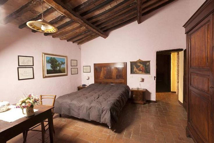 Tuscany grand villa for 12 people