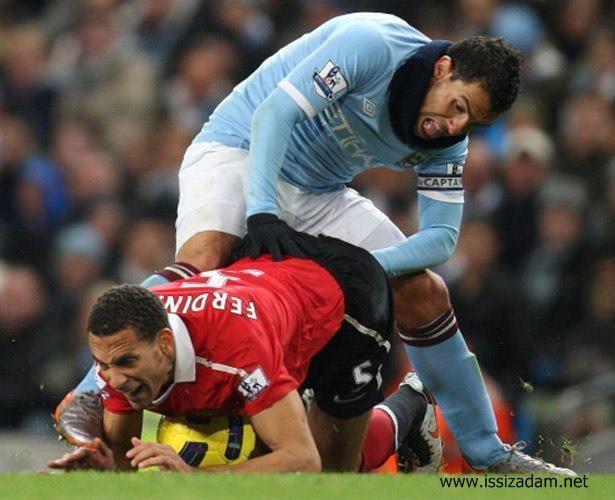 ...ve Tevez kaçırdığı gollerin acısını Ferdinand'dan çıkarır