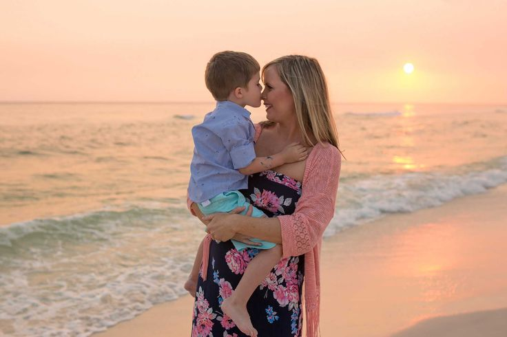 Laguna Beach Florida Family Photographer - https://www.ljenningsphotography.com/laguna-beach-florida-family-photographer/  family photographer, family photography, family photo ideas, sunset photos on the beach, sunset photos beach, sunset photos family, sunset photos couples, sunset pictures, sunset photography