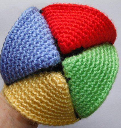 Free Crochet Pattern - Folded Fortune Teller ( http://www.lookatwhatimade.net/crafts/yarn/crochet/free-crochet-patterns/grandma-perkins-crochet-fortune-teller/)