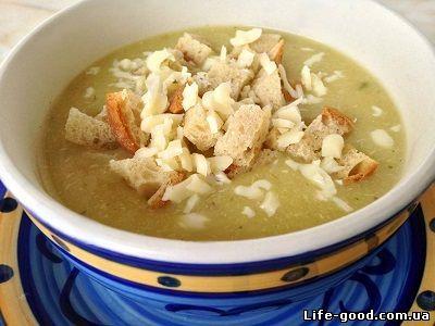 Суп-пюре картофельный с луком-пореем