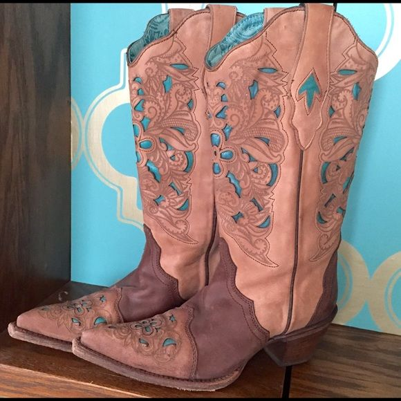 "Corral Vintage Boots These boots have been worn only once! Corral Women's Brown/Turquoise Floral Tool Boot - C1620 - This contemporary cowgirl's Corral boot is handcrafted in Leon, Guanajuato, Mexico by some of the most experienced boot makers in the country. Features a brown leather foot under a decorative 12"" matching leather shaft. Distressed, laser tooled overlay with turquoise-hued inlays. Supple leather lining and insole for comfort wear. 2"" cowgirl boot heel. Single stitched welt…"