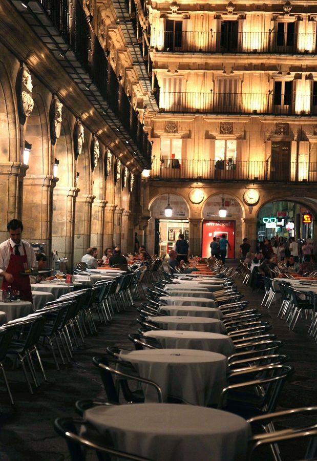 Plaza Mayor de Salamanca en España. I sipped many glasses of wine and spent many days and evenings roaming here. I miss it so much!