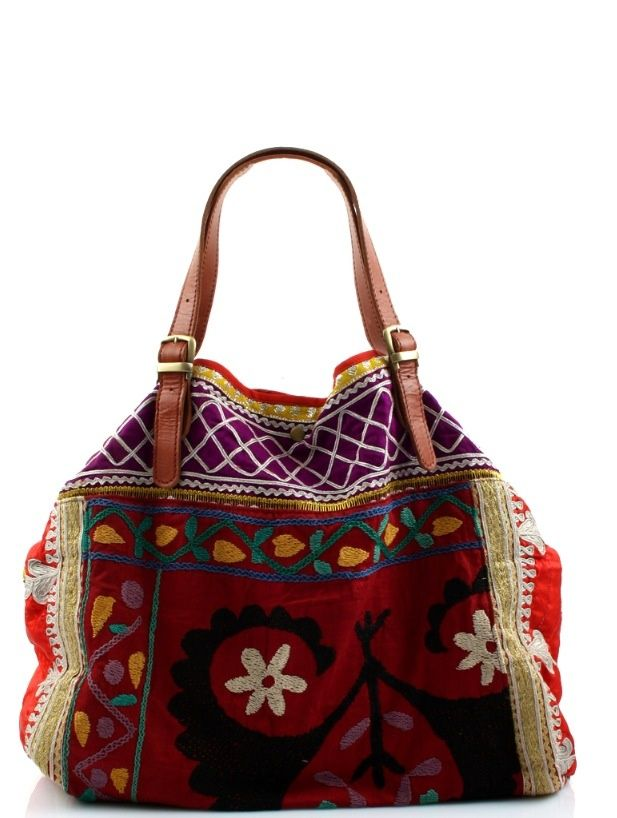 A good sized colourful bag for the gypsy traveller in me