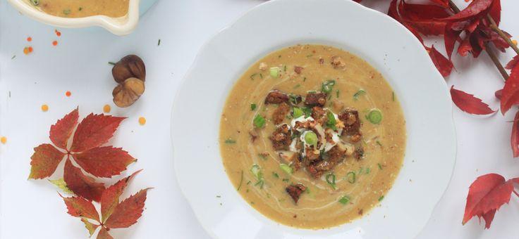 Herbstliche Linsen-Maroni-Suppe mit Cumin und Nusstopping