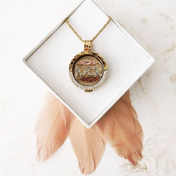 Everything you do, comes back to you #mimoneda #jewelry #jewellery #necklace #instajewelry #jewelrygram #jewelrylover #jewelryoftheday #jotd #gift #luck #dreamcatcher