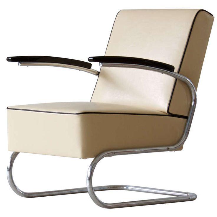 Bauhaus tubular steel lounge chair
