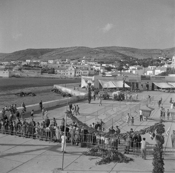 Walter Schröder Τήνος, στο λιμάνι 1950-1970,