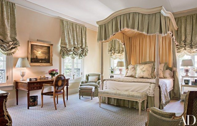 Hampton placed a work by Claude-Joseph Vernet in one of the four guest rooms