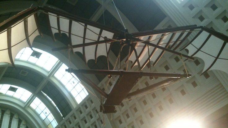Een vliegmachine die door Leonardo da Vinci is ontworpen, jammer genoeg heeft deze vliegmachine nooit echt gevlogen.