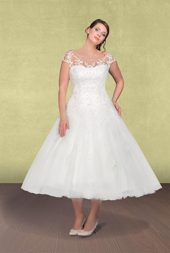 Ausgestelltes Midi Brautkleid Von Lohrengel Curvywedding Plussize Brautkleid Kleid Hochzeit Lohrengel