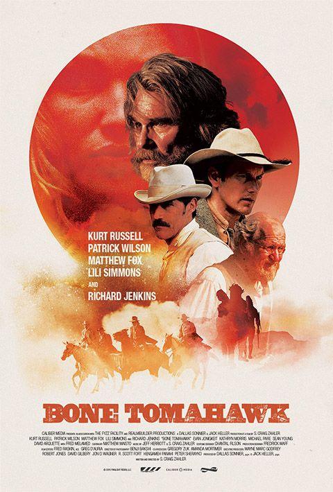 """BONE TOMAHAWK Profondamente verboso come un Tarantino, sottilmente ironico come un Coen, spudoratamente sanguinario come un Zombie ed elegantemente crepuscolare come un Peckinpah: S. Craig Zahler entra nel mondo del cinema che conta dalla porta principale, senza alcun timore reverenziale e senza farsi imbrigliare dalle etichette di genere. Instant cult, senza se e senza ma. RSVP: """"Slow West"""", """"Django Unchained"""". Voto: 8."""