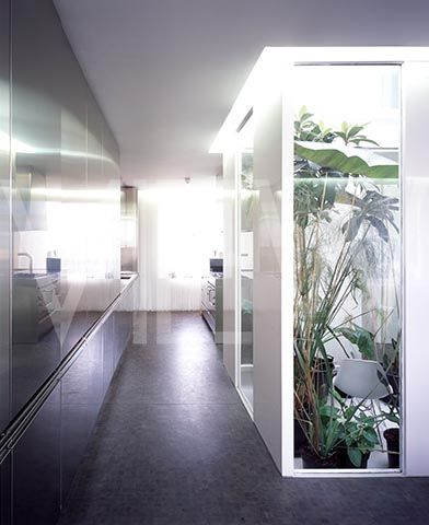 PRIVATE RESIDENCE INTERIOR VIEWSHOWING CENTRAL LIGHT WELL CORE